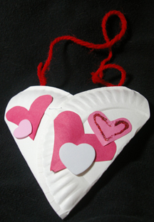 Paper plate Valentine holder heart